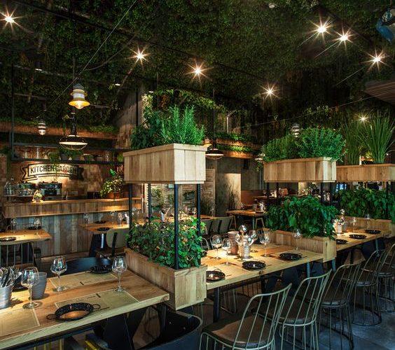 Thiết kế nhà hàng với màu sắc hài hòa