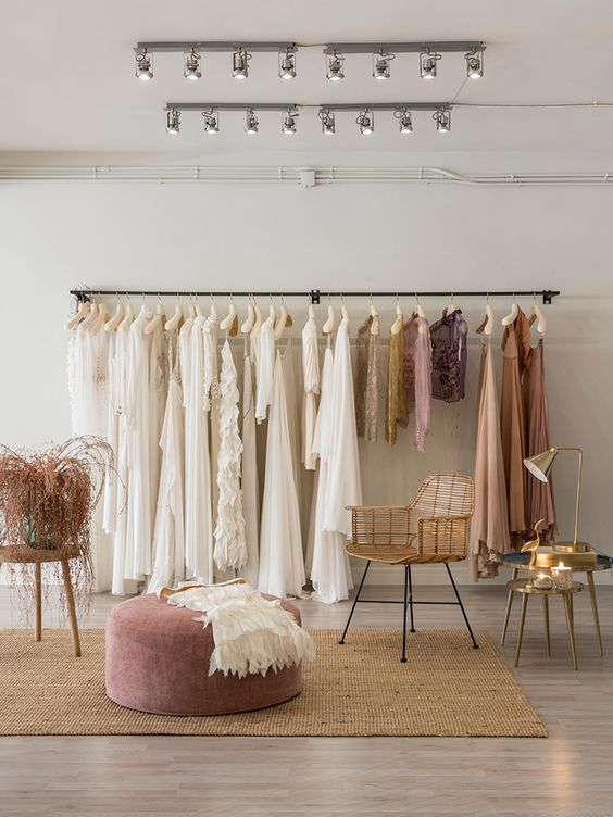 phòng livestream quần áo