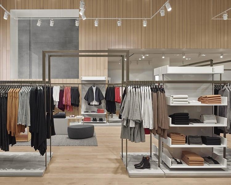nội thất thông minh trong cửa hàng quần áo